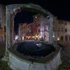 Piazza della Cisterna wieczorem